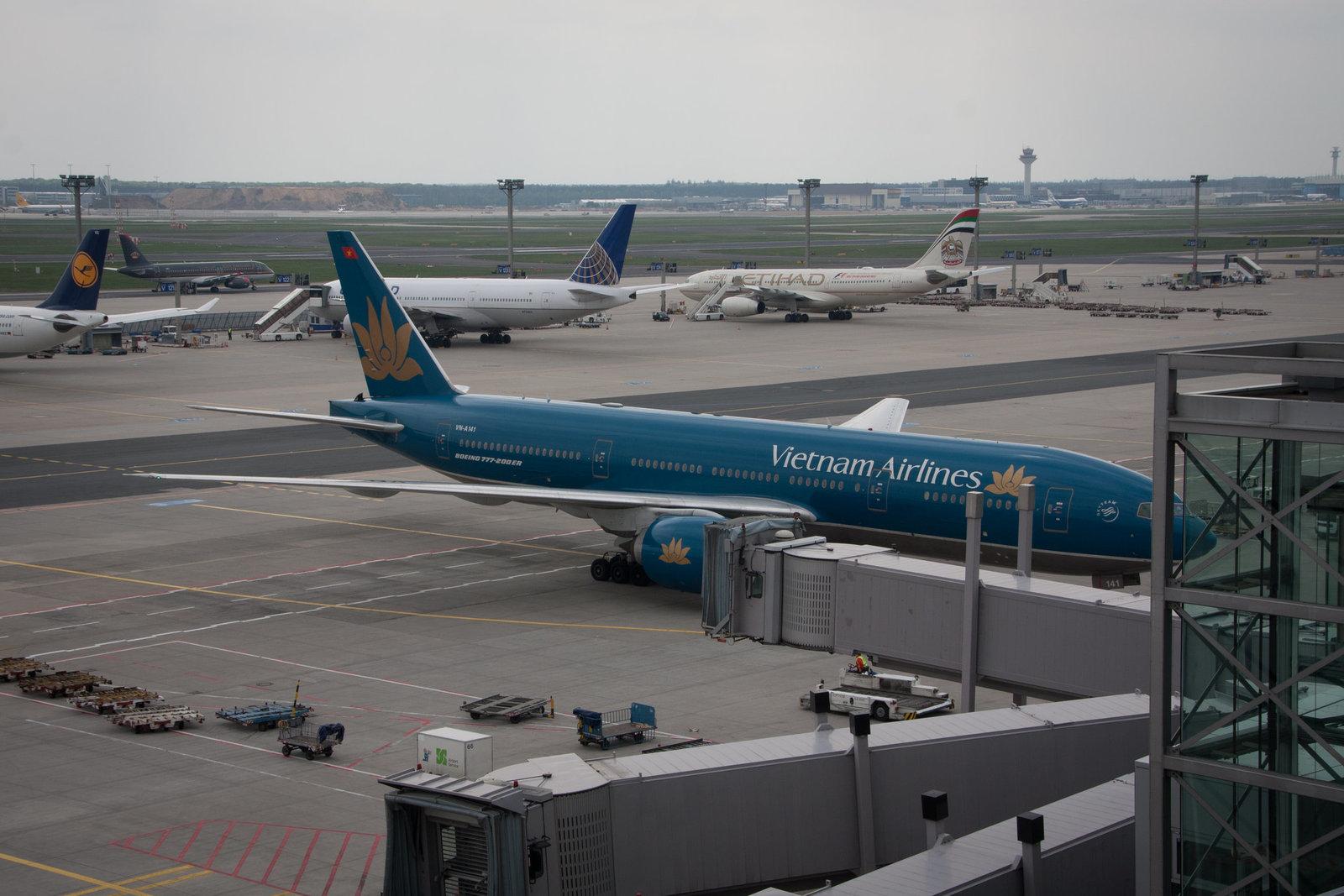 Frankfurt Airport - 01.Mai 2013